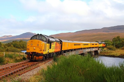 37219 tnt 37421 on the 1Q78 Inverness to Inverness via Kyle of Lochalsh at Loch Achanalt on the 1st October 2017