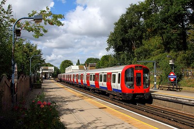 S Stock 21039 heads a southbound Wembley Park service at Chorleywood on the 9th September 2017