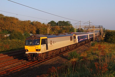 92044 on the 1M16 Inverness to Euston at Old Linslade on the 2nd September 2017