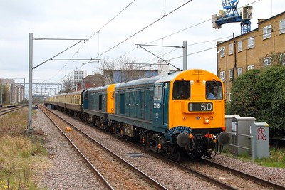 20189+20205 tnt 73962 on the 1Z20 1213 London Victoria to London Gateway on the NLL at Caledonian Road and Barnsbury on the 7th April 2018