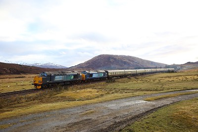 37605+37259 on the 1Z38 Kyle of Lochalsh to Inverness at Achnasheen on the 1st April 2018