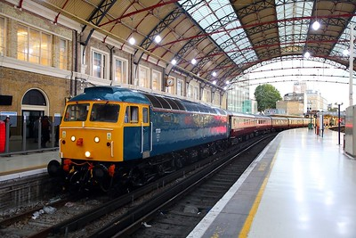47853+47805 on the 1Z23 Alton to London Victoria at London Victoria on the 31st August 2018