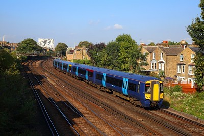 375713 on the 1S24 0937 London Victoria to Ramsgate at Shepherds Lane junction on the 31st August 2018
