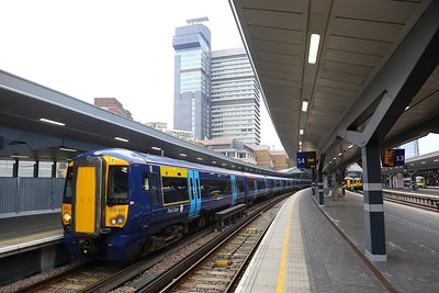 375921+375705 departing London Bridge with the 1Z28 London Bridge to Hastings on the 13th January 2018