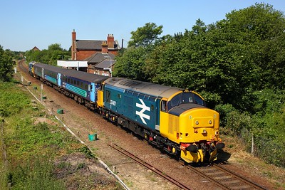 37407+37409 on the 2P18 1036 Norwich to Great Yarmouth at Lingwood on the 3rd July 2018