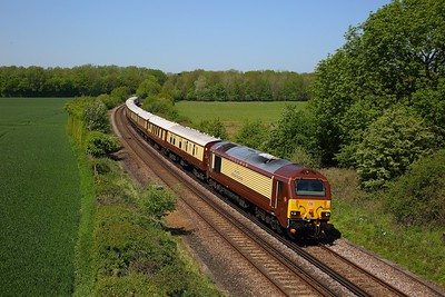 67021+67024 on the 1Y46 London Victoria to Folkestone West at Westwell Leacon on the 6th May 2018