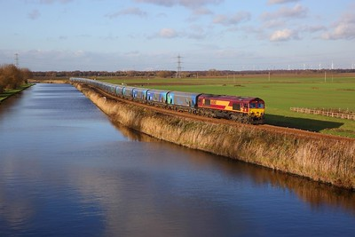 66060 on the 4R50 1031 Drax PS to Immingham at Crowle on the 30th November 2018