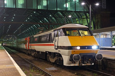 91119 about to work the 5Y23 Kings Cross to Ferme Park RS having worked the 1A49 from Leeds on the 13th November 2018