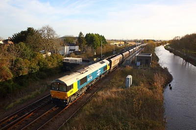 66789 on the 6F71 0845 Immingham to Cottam at Crowle on the 30th November 2018