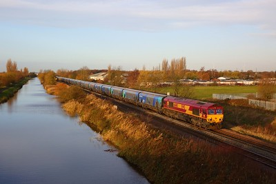 66148 on the 4R49 0815 Milford West Sidings to Immingham at Crowle on the 30th November 2018