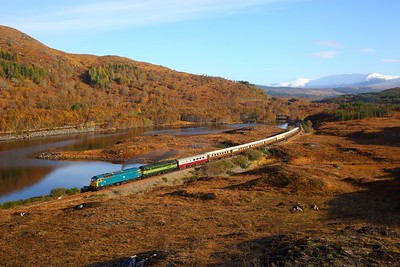 47853+47810 on the 1Z23 Inverness to Kyle of Lochalsh at Loch a' Chuilinn on the 28th October 2018