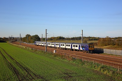 319365 on the 2F38 1502 Liverpool Lime Street to Warrington Bank Quay at Winwick junction on the 18th October 2018