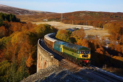 47810+47853 on the 1Z26 Inverness to Milton Keynes at Slochd on the 29th October 2018