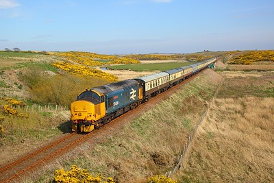 37409 tnt 37402 on the 1Z27 1434 Thurso to Wick nears its destination on the 21st April 2019