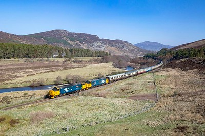 37402+37409 on the 1Z29 Aviemore to Eastleigh at Crubenmore on the 22nd April 2019