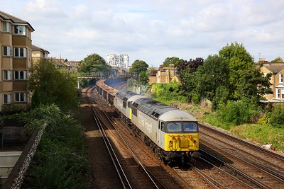 56103+56091 on the 6Z40 Willesden to Angerstein at Brixton on the 30th August 2019