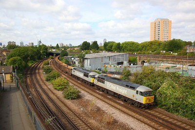 56103+56091 on the 6Z40 Willesden to Angerstein at Latchmere junction on the 30th August 2019