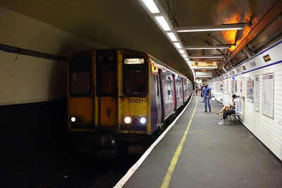313057+313047 on the 2J87 1405 Watton-at-Stone to Moorgate arriving at Moorgate on the 10th August 2019