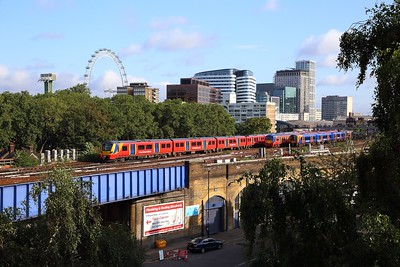 SWR units leaving London Waterloo on the 6th August 2019