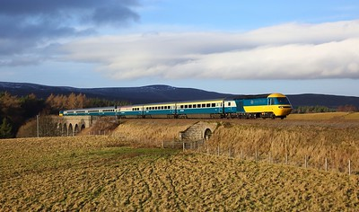 43006 leads 43112 on the 1Z46 Inverness to Edinburgh south of Tomatin on the 19th December 2019
