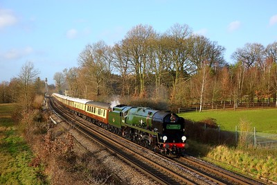 35028 Clan line at Lyne near Chertsey with the 1Y82 London Victoria to Shalford VSOE on the 14th December 2019