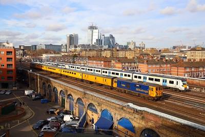 73964+73965 on the 1Q76 Battersea Park to Tonbridge WY passes 700009 on 9P30 1158 Rainham to Luton east of London Bridge on 12th Feb 19