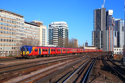 455857+455870+456011 on the 2O19 0933 London Waterloo to London Waterloo via Richmond at Vauxhall on the 11th February 2019