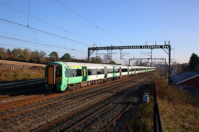 377201+377215 on the 5O39 1157 Watford Junction to Watford Junction shortly after reversal at this very spot at Bourne End on the 20th January 2019