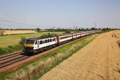 90015 on the 1P31 1100 Norwich to London Liverpool Street at Wassicks, Haughley jnc on the 25th July 2019