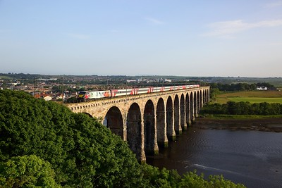 91111 on the 1S23 1530 London Kings Cross to Glasgow Central at Royal Borders Bridge, Berwick upon Tweed on 28th June 2019