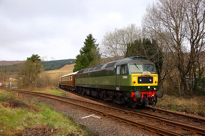 47501 tnt 47593 on the 1Z64 0919 Fort William to Milton Keynes at Crianlarich on the 25th March 2019