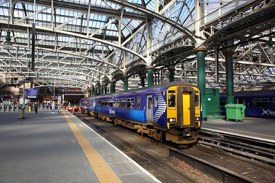 156501 on the 2J26 1417 Glagow Central to East Kilbride at Glasgow Central on the 25th March 2019