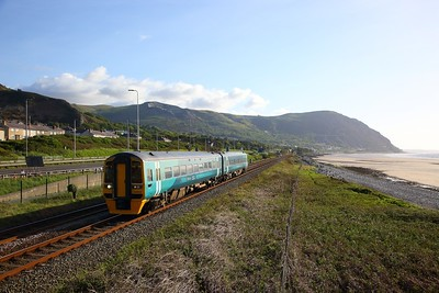 158824 on the 1J70 1732 Holyhead to Shrewsbury at Penmaenmawr on the 4th May 2019