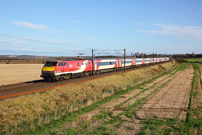 91126 on the 1S04 0915 Newcastle to Edinburgh at Spittal on the 27th October 2019
