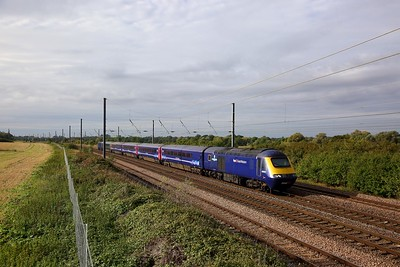 43023+43027 on the 1H02 0948 London Kings Cross to Hull at Great Paxton on the 5th October 2019