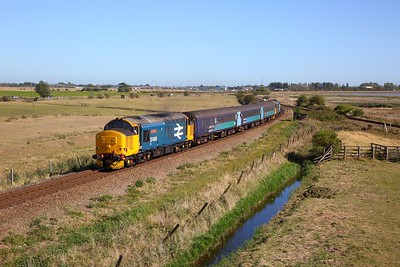 37409 tnt 37424 on the 2P21 1317 Great Yarmouth to Norwich at Breydon junction on the 21st September 2019