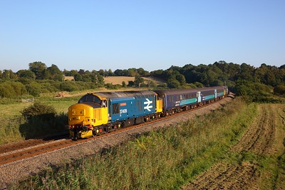 37409 tnt 37424 on the 2J85 1648 Lowestoft to Norwich at Oulton Broad Marshes on the 21st September 2019