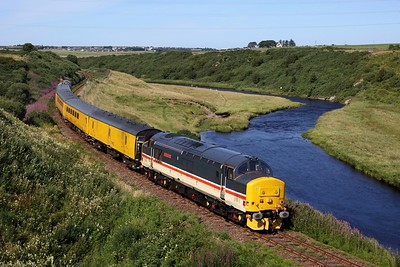 37419 leads 37402 on 1Q78 Inverness Millburn yard circular via Thurso and Wick returning from Thurso at Buckies on 9 August 2020