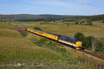 37419 leads 37402 on 1Q78 Inverness Millburn yard circular via Thurso and Wick climbing Lairg summit on 9 August 2020