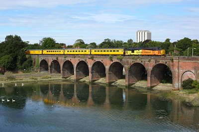 37421 leads 37025 at Wallington with 1Q52 1037 Eastleigh Arlington circular via Littlehampton on 4 August 2020  Class37, Colas, WestCoastway