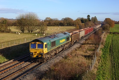 66542 powering the 6C58 Oxford Banbury Road to Whatley at Enborne on 1 December 2020  Freightliner66, BandH