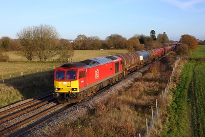 60039 powering the 6B33 Theale to Robeston at Enborne on 1 December 2020  Class60, DB, BandH