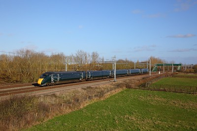 800005 on the 1G17 1333 London Paddington to Cheltenham Spa at Denchworth on the 8th February 2020