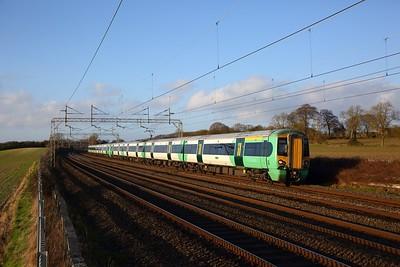 377202+377211 on the 2O49 1512 Milton Keynes Central to East Croydon at Cow Roast on the 1st February 2020