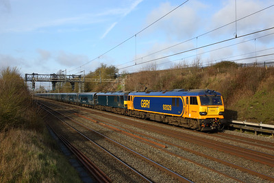 92028+failed 92014 on the 1M11 Glasgow Central to London Euston at Bourne end running 293 minutes late on the 3rd February 2020 hires