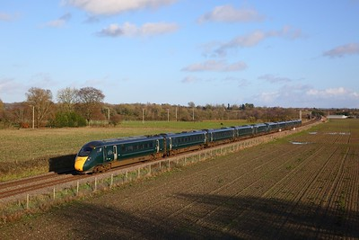802016+802003 on the 1C82 1304 London Paddington to Plymouth at Manningford Bruce on the 20th January 2020
