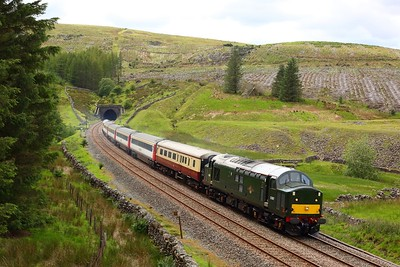 37521 leads 47593 on 1Z43 1218 Skipton to Appleby at Blea Moor tunnel on 21 July 2020  Class37, LSL, SandC