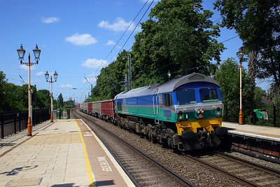 59004 powers the 7A09 Merehead to Acton yard jumbo train on the GWML at Hanwell on 1 June 2020  AI, Class59, GWML