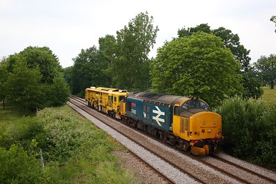37402 hauls DR77905 powers the 6Z37 West Ealing Plasser to Toton North Yard at Dudding Hill on 12 June 2020  DRS, Class37, DuddingHillline
