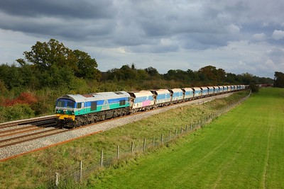 59004 powering the 7C77 Acton to Merehead at Hungerford on 14 October 2020  Class59, Freightliner, BandH